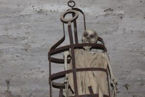 Castello di Bardi: gabbia di tortura